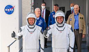 Astronauci NASA Doug Hurley i Bob Behnken.