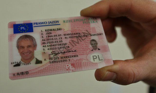 23 osoby podejrzane o korupcję przy odzyskiwaniu prawa jazdy