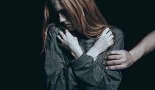 Ofiara gwałtu zasługuje na pomoc i współczucie, a nie na obwinianie - zdjęcie ilustracyjne