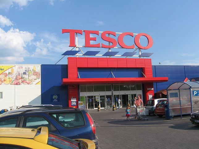 Tesco likwiduje swoje hipermarkety
