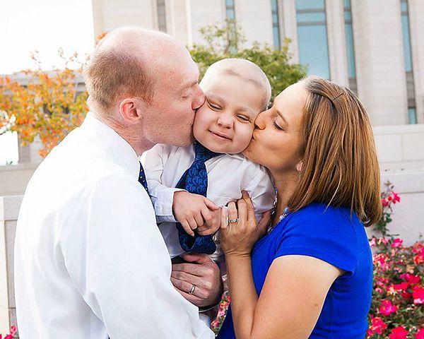 Ethan z rodzicami