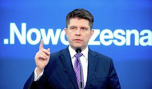 """Ryszard Petru straszy internautów """"prześwietlaniem""""? To kolejny fejk w sieci"""