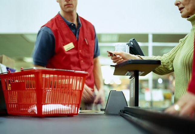 Tak pracodawcy łamią prawa pracowników hipermarketów