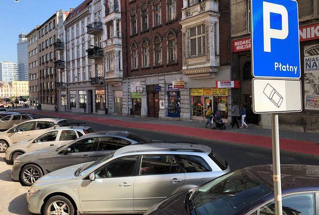 Samorząd Katowic zapowiedział podwyżki opłat za parkowanie w śródmieściu.
