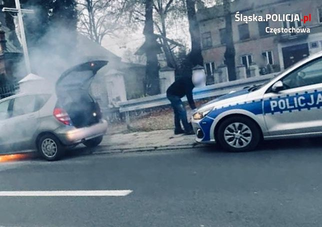 Dzięki szybkiej akcji policjantów w Częstochowie udało się uratować dwoje dzieci.