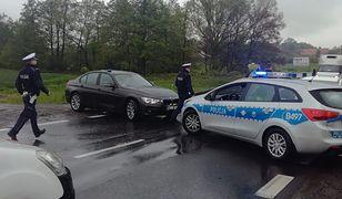 """""""Łowcy głów"""" zatrzymali poszukiwanego na drodze krajowej nr 8 w Ząbkowicach Śląskich"""