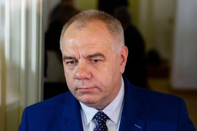 Jacek Sasin zdradził, że zostanie opublikowana lista na której będzie można zobaczyć szczegóły zwrotu premii przez ministrów