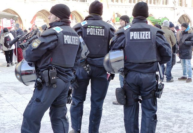 Niemiecka policja wypuściła groźnego islamistę? Wcześniej zdecydowano o jego deportacji