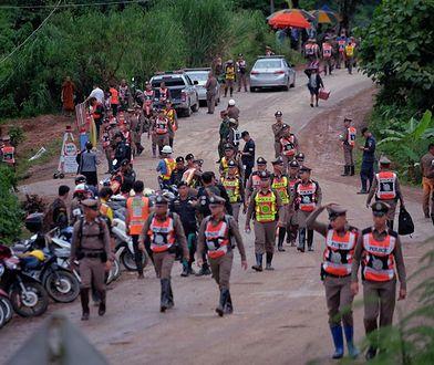 Dzieci uwięzione w jaskini. Amerykańscy producenci chcą kręcić film o dramacie w Tajlandii