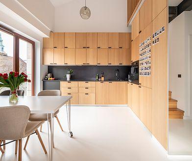 Prostota i niezwykła forma to mocne cechy mieszkania w Poznaniu