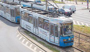 Wrocław. Tramwaj potrącił pieszą. Jest w stanie ciężkim