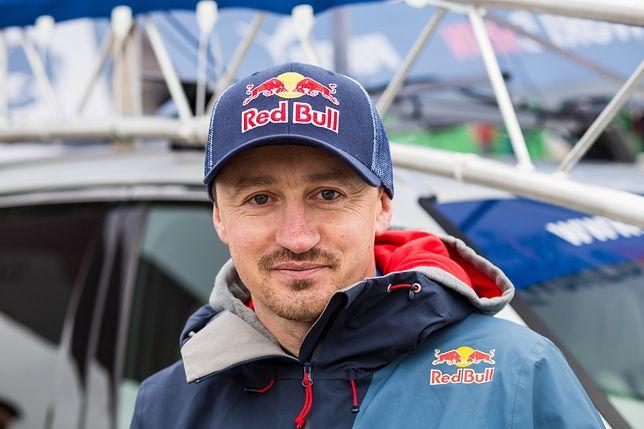 Adam Małysz obecnie pełni funkcję dyrektora koordynatora ds. skoków narciarskich i kombinacji norweskiej w Polskim Związku Narciarskim