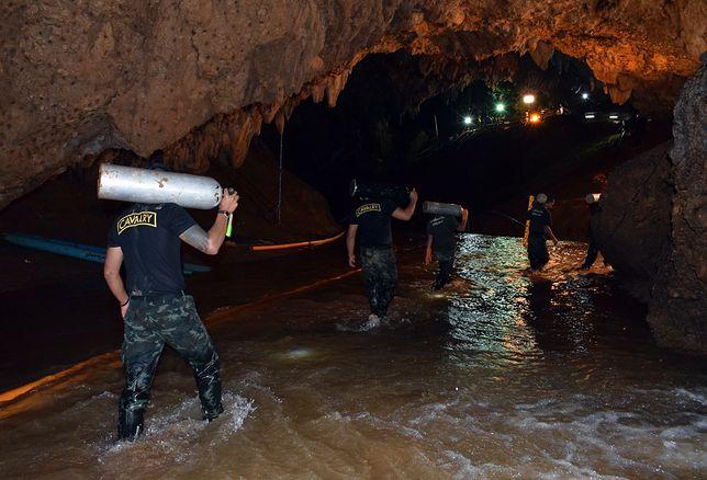 Jaskinia Tham Luang. Tak wygląda akcja ratunkowa w Tajlandii
