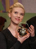 Europejski miesiąc miodowy Scarlett Johansson