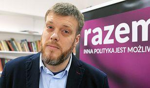 Adrian Zandberg z Partii Razem wdarł się w ostry spór z Tomaszem Lisem. Czy w polskiej polityce idzie tylko o zdobycie władzy, czy może liczy się autentyczny program?