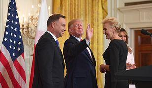 Prezydent Andrzej Duda, pierwsza dama Agata Duda, w środku Donald Trump