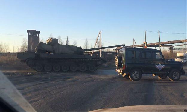 Najnowszy rosyjski czołg odmówił posłuszeństwa podczas prób do parady