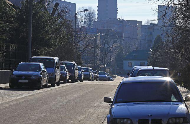 Radni Bielska-Białej zdecydowali o powiększeniu strefy płatnego parkowania.