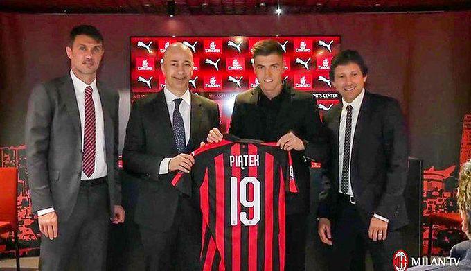29b22b23ca8ddd Materiały prasowe / AC Milan / Na zdjęciu: Krzysztof Piątek (drugi od  prawej)