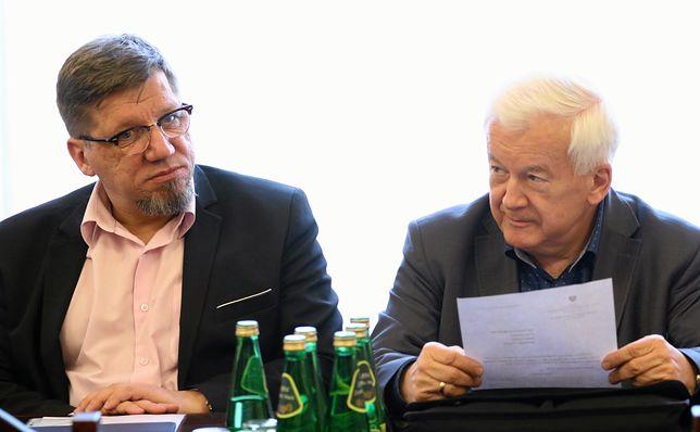 Przewodniczący rady Witold Kołodziejski z Januszem Kaweckim.