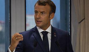 Prezydent Francji Emmanuel Macron odwiedził centralę telefonu alarmowego. Był przerażony
