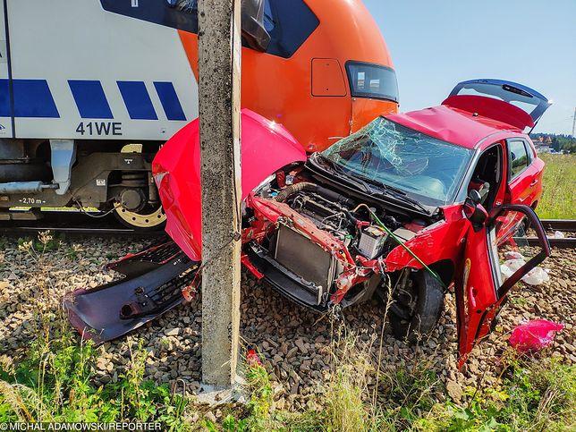Do wypadku doszło 23 sierpnia na niestrzeżonym przejeździe kolejowym w Zaskalu koło Szaflar