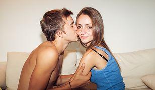 """""""Eksperymentują jak nigdy dotąd"""". Prawdziwy wysyp ofiar ryzykownego seksu wśród nastolatków"""