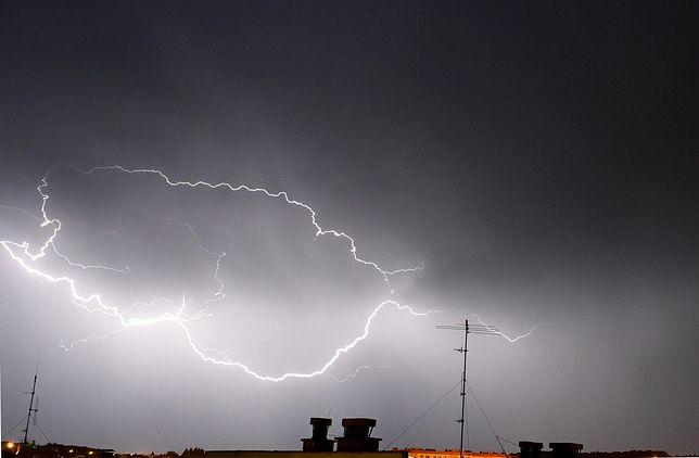 Gdzie jest burza? IMGW wydaje ostrzeżenie - sprawdź radar burzowy online