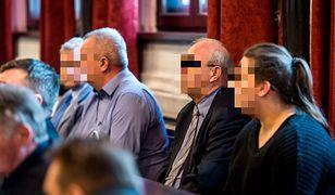 Oskarżeni ws. otrzęsin podczas procesu na sali Sądu Okręgowego w Bydgoszczy