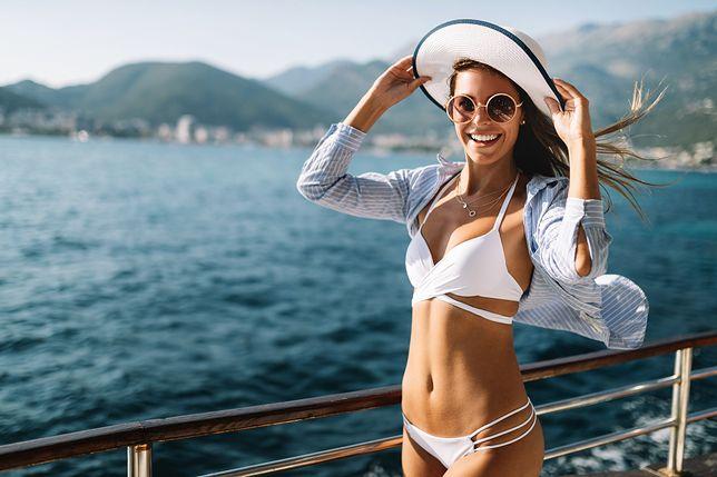 Najmodniejsze stroje kąpielowe na lato 2021 - te modele lansują największe gwiazdy i influencerki!