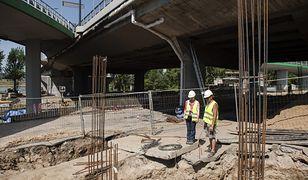 Odbudują schody prowadzące na most Łazienkowski