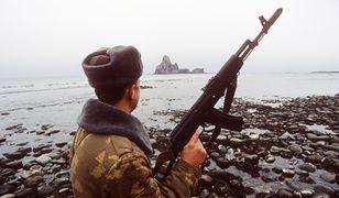 Rosja przenosi żołnierzy na sporne wyspy