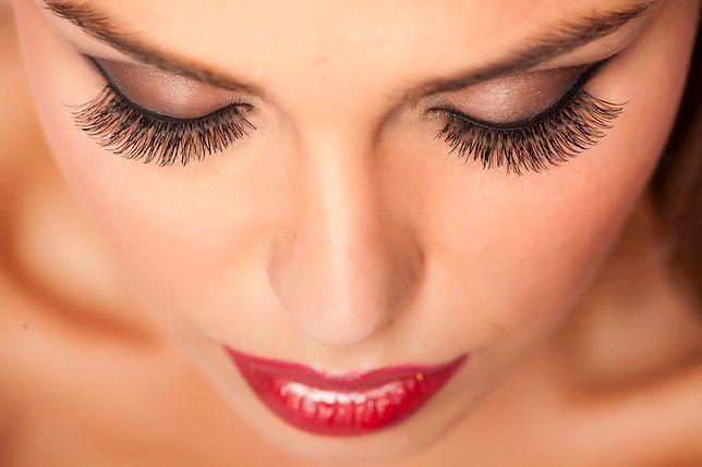 Makijaż francuski to szybki sposób na wykończenie wieczorowej stylizacji