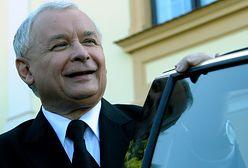 Sondaż. Polacy bardziej ufają Jarosławowi Kaczyńskiemu niż Donaldowi Tuskowi
