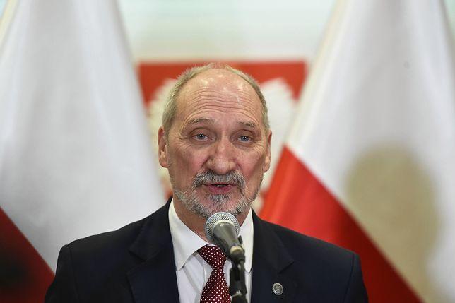 Antoni Macierewicz poza MON. Wraca jednak do sprawy gen. Jarosława Kraszewskiego