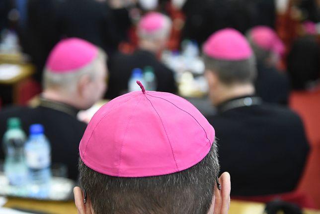 Według ofiar molestowania przez księży w dokumencie episkopatu nie ma niczego nowego