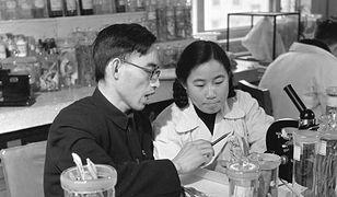 Nie była lekarką, a uratowała tysiące obywateli. Skromna bohaterka chińskiej medycyny