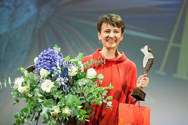 """Ukraińska pisarka, Oksana Zabużko, autorka """"Muzeum porzuconych sekretów"""", laureatka Literackiej Nagrody Europy Środkowej Angelus 2013"""