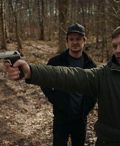 """""""Oleg"""": Polak Polakowi wilkiem. Dawid Ogrodnik w roli dręczyciela emigrantów"""