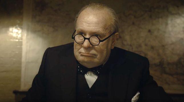 """Gary Oldman jako Winston Churchill na planie """"Czasu mroku"""""""