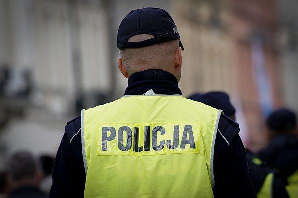 Koronawirus w Warszawie. Zakażony jeden z policjantów. 7 poddanych kwarantannie