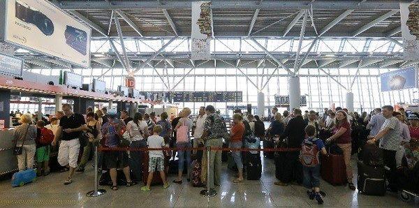 """Coraz więcej pasażerów na Lotnisku Chopina. """"Każdy następny miesiąc to wzrosty"""""""