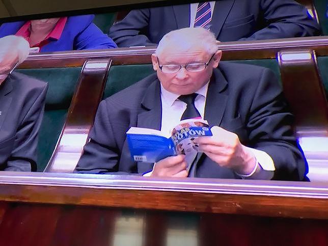 """Już wiadomo, co Jarosław Kaczyński zrobi z """"Atlasem Kotów"""". To jednak było zaplanowane?"""