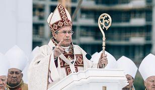 """Janusz Gajos w """"Klerze"""" zagrał abpa Mordowicza."""