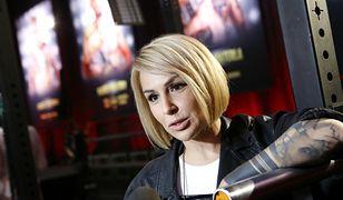 """Blanka Lipińska zdradziła, jak świętowała międzynarodowy sukces filmu """"365 dni"""". Był schabowy i frytki"""