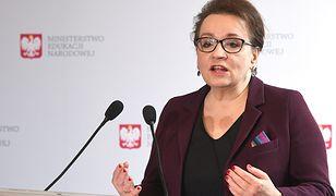 """PO chce odwołać minister Annę Zalewską. """"Niszczy polskie dzieci i ich marzenia"""""""