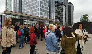 Pociągi z Warszawy nie kursują, drugi dzień wielkiego remontu. Relacja naszej reporterki