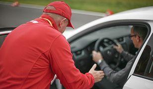 W tym zawodzie chodzi nie tylko o znajomość przepisów - trzeba też mieć indywidualne podejście do każdego kierowcy