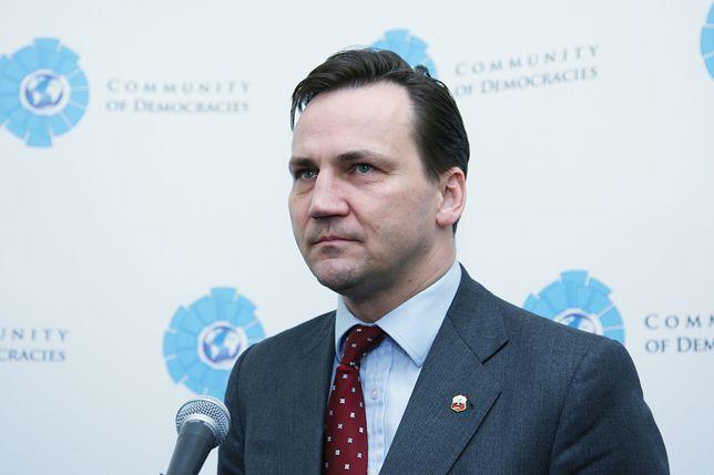"""Wybory prezydenckie 2020. Radosław Sikorski ostro o prezydencie: """"Andrzej Duda nie ma suwerenności""""."""
