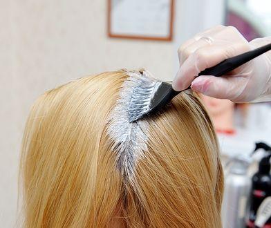 Truskawkowy blond. Jak uzyskać modny odcień i komu najbardziej pasuje?